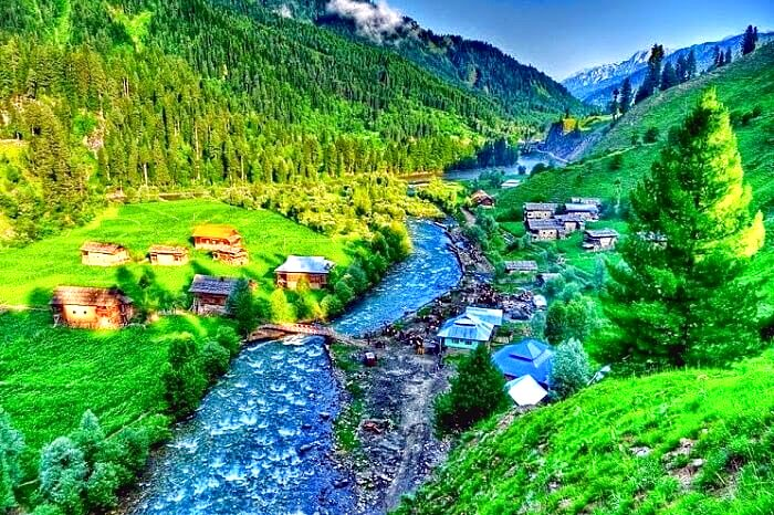 Places to visit inapril in kashmir